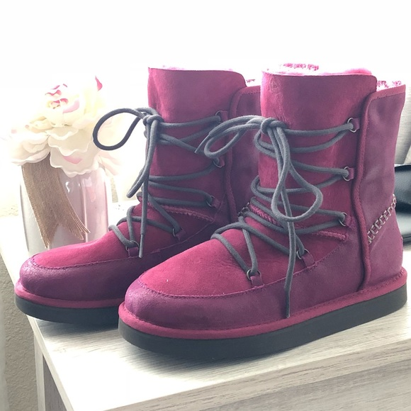 UGG Shoes - Beautiful brand new authentic Ugg